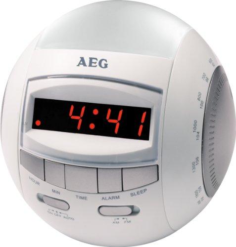 AEG MRC 4109 Uhrenradio (UKW-/MW-Tuner, Wurfantenne, Uhr, Weckfunktion, Nachtlicht, Lautstärkeregler) weiß