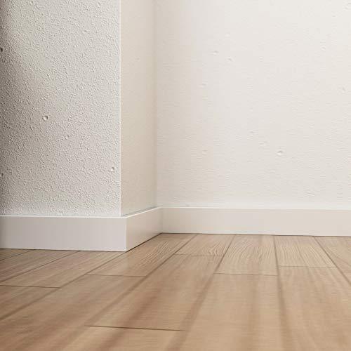Moderne Fußleiste in Holz Weiß lackiert 50 x 12 mm
