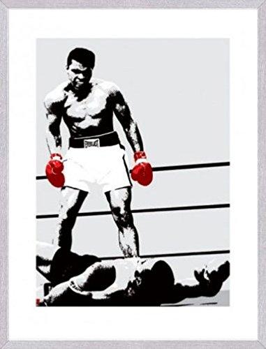 Muhammad Ali 1art1 Poster Kunstdruck und MDF-Rahmen Holzoptik Aluminium Gebürstet - Die Boxhandschuhe des Siegers (80 x 60cm)