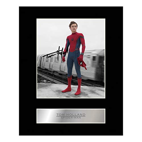 Foto de Spiderman firmada por Tom Holland