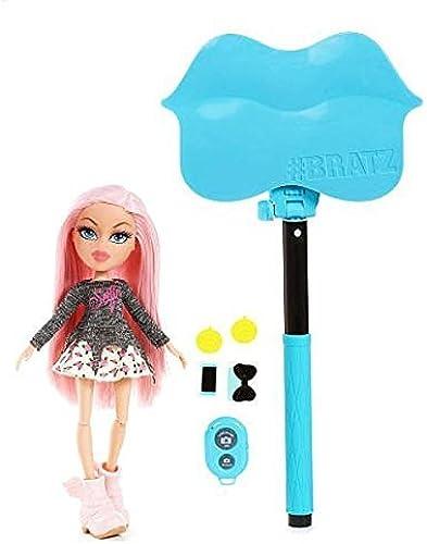 estar en gran demanda Bratz Bratz Bratz Selfie Stick with Doll- Cloe by Bratz  el mas de moda