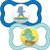 MAM Air Soothers 12+ Monate (2 Stück) Babyschnuller mit sterilisierbarem Reiseetui Baby Essentials blau/weiß (Designs können variieren)
