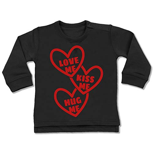 Valentinstag Baby - Love me, Kiss me, Hug me mit Herzen - rot - 6/12 Monate - Schwarz - Pullover - BZ31 - Baby Pullover