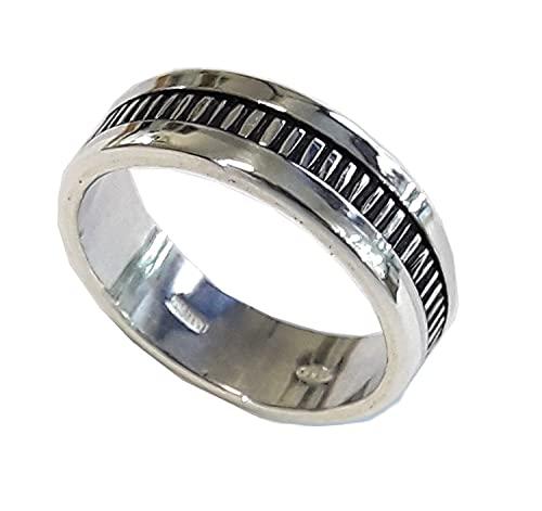 Anello di fidanzamento, uomo e donna, in argento con annerito il centro d'argento, e il testo personalizzato.