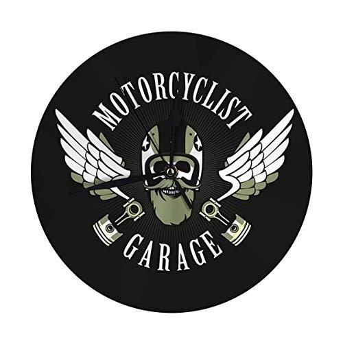 FETEAM Reloj de Pared Redondo Emblema Retro Motociclista Viejo cráneo en Casco de Motocicleta Decorativo para hogar, Oficina, Escuela 9.8IN