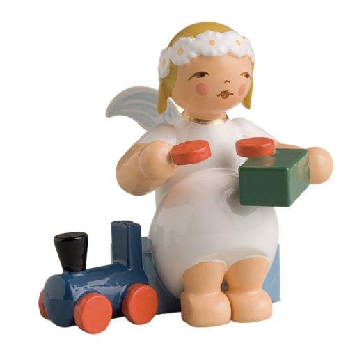 Wendt & Kühn Margeritenengel, sitzend mit Eisenbahn