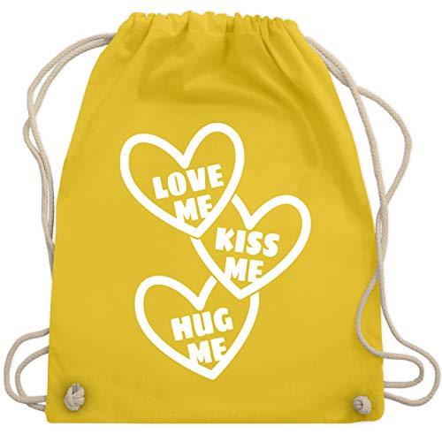 Shirtracer Valentinstag - Love me, Kiss me, Hug me mit Herzen - weiß - Unisize - Gelb - Beziehung -...