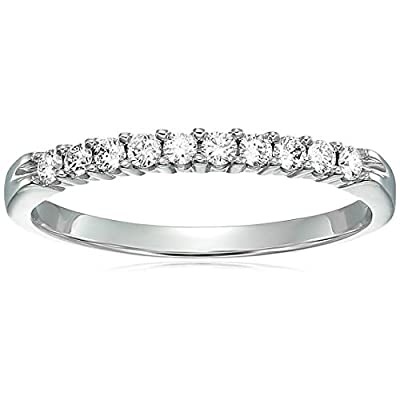 1/4 ctw Diamond Wedding Band in 14K White Gold