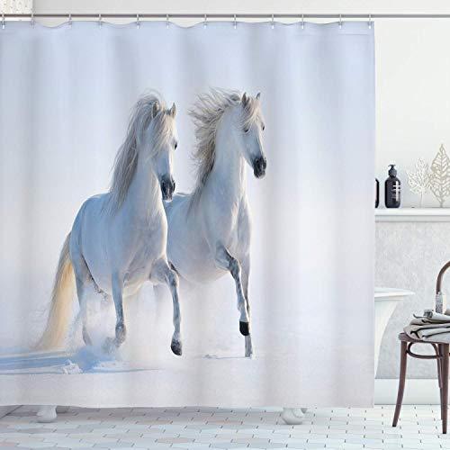 48X72inch Paarden Douchegordijn Galloping Zeldzame Gevlekte Paarden op Sneeuwveld Dominant Genes Albino Verschillende Dieren Print Doek Stof Badkamer Decor Set met Haken