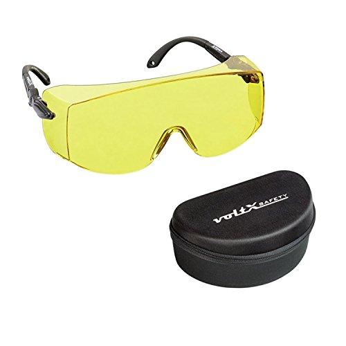 voltX 'OVERSPECS' Gewerbliche Schutzbrille für Brillenträger im Industriewesen mit Schutzhülle - CE EN166f Zertifiziert (gelb Scheibe) - beschlagfrei, Kratzfest, UV400 Schutz - Safety Overglasses