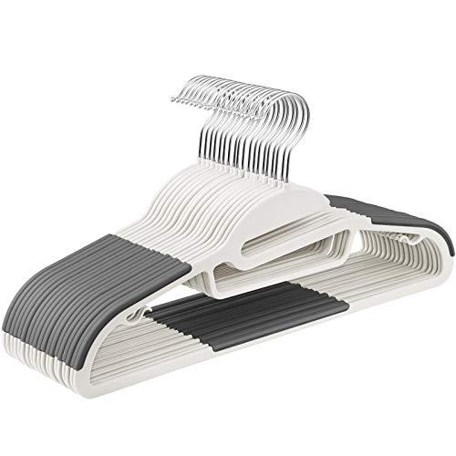 SONGMICS Kleiderbügel, 20 Stück, Anzugbügel aus Kunststoff, gut belastbar, S-Form-Öffnung, rutschfest, Dicke 0,5 cm, platzsparend, um 360° drehbarer Haken, 41,5 cm lang, weiß-dunkelgrau CRP041WG02