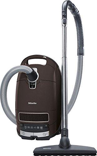 Miele Bodenstaubsauger Complete C3 Total Care EcoLine EEK A / Plus/Minus-Fußsteuerung / AirClean Plus Filter / Saugschlauchverlängerung / 12m Aktionsradius / 3-teiliges integriertes Zubehör, Braun