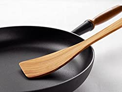 wooden spatula in a satue pan