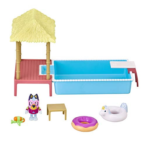 Bluey Pool Playset and Figure, 2.5-3 inch Articulated Figure and Accessories