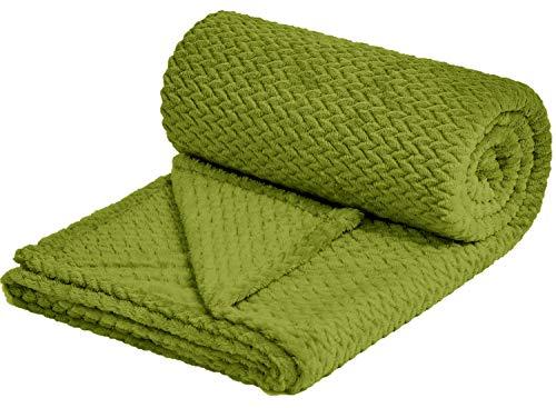 "NEWCOSPLAY Super Soft Throw Blanket Premium Silky Flannel Fleece Leaves Pattern Lightweight Blanket All Season Use (888-Green, Throw(50""x60""))"