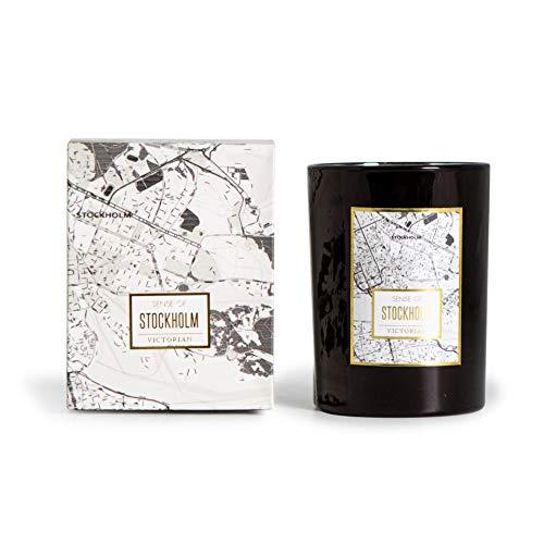 Victorian Candles - Candela profumata fatta a mano Maps Stockholm, in vetro nero con un fresco profumo di fiori primaverili e giglio