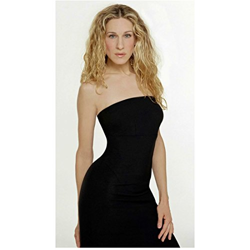 Sex and the City Sarah Jessica Parker as Carrie Bradshaw Standing Tall Looking Gorgeous 8 x 10 Inch Photo
