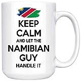 Taza de café blanca de dos tonos, regalo de Namibia para hombres, abuelo, papá, tío, novio, taza de café blanca, mantén la calma y deja que el chico de Namibia la maneje Gran taza de regalo Taza de ca