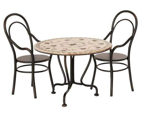 Maileg Esstisch-Set für Puppen Tisch und zwei Stühle Mini Anthrazit