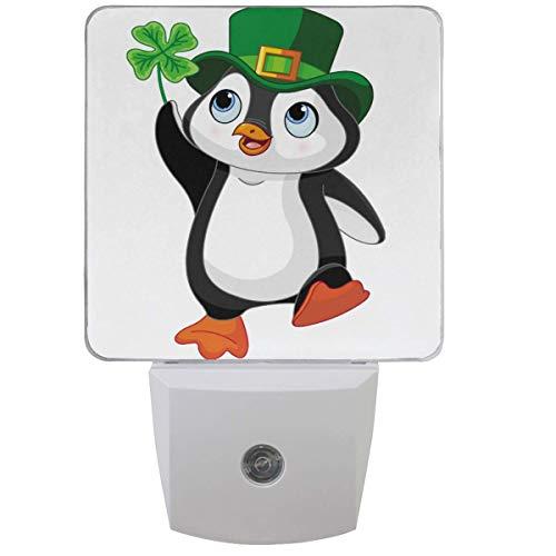 Pinguin Kobold Klee Nachtlicht Plug-In Set von 1 Happy Patrick Day Nightlights Auto Dämmerung-Dämmerung Sensor Lampe
