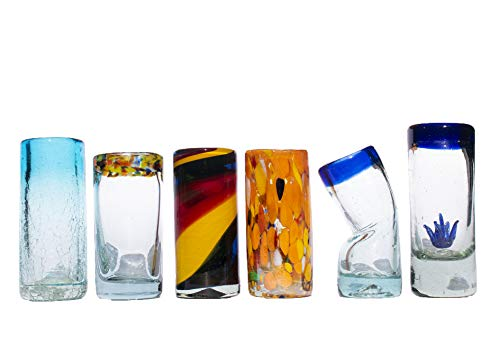 Solmex Caballitos tequileros de vidrio soplado hechos a mano por artesanos de Tonalá. Juego de 6 diferentes diseños que lucirán muy originales en su cantina.