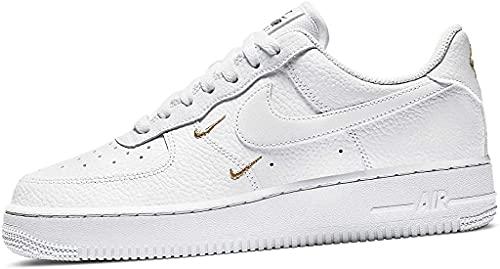 Nike Wmns Air Force 1 '07 Ess, Scarpe da Basket Donna, White/White-Mtlc Gold-Black, 38 EU