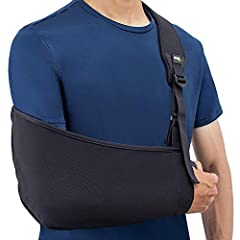Breathable: Vents throughout the entire strap wick moisture and keep you cool Comfortable: Cushy neoprene strap padding conforms to your body and doesn't dig into your neck Convenient: Front-facing length adjuster provides easy one-handed adjustment ...
