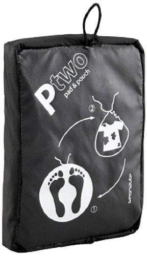 Domyos Bolsa de Fitness para Vestuario con Doble Función - Alfombrilla de Pies y Bolsa de Ropa Húmeda (Negro)