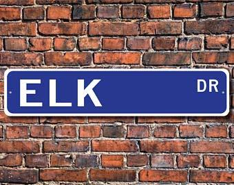 VinMea Elch-Geschenk, Elch-Schild, Elch-Dekor, Elch-Liebhaber, Elch-Experte, Großland-Tier, Reh-Familie, personalisierbares Straßenschild, 10,2 x 45,7 cm