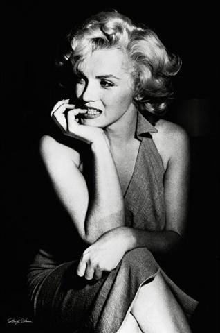 Empire 266828 Monroe, Marilyn - Sitting - FilmMax i-Poster, Druck, Kino Movie schwarz-weiß Foto, 61 x 91.5 cm