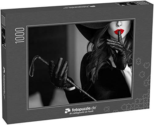 fotopuzzle.de Puzzle 1000 Teile Sexy dominante Frau mit Hut und Peitsche