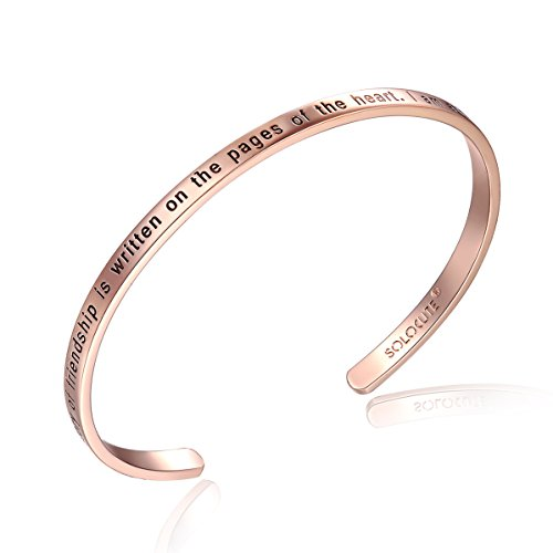 Solocute Rosegold Damen Armband mit Gravur The Story of Friendship is Written on The Pages of The Heart. I Am a Better Me Because of You Inspiration Frauen Armreif Schmuck