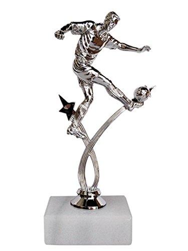 Eurocebrian Trofeo Futbolista chutando
