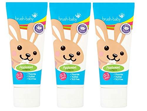 Brush-Baby Apfelminz-Zahnpasta für Babys & Kleinkinder | Erste Zähne | 0-36 Monate | Sanfter Apfelminzgeschmack, plus Xylitol & Fluorid für starke Zähne, gesundes Zahnfleisch & frischen Atem| 3x50ml