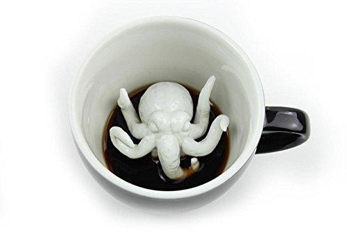Creature Cups Cthulhu-Keramiktasse (325 Milliliter, Schwarz) | Auf der Innenseite versteckte Tiermotive | Weihnachts- und Geburtstagsgeschenk für Kaffee- und Teeliebhaber