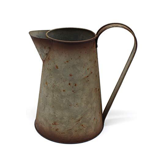 CVHOMEDECO. Jarra de leche oxidada de 17,8 cm, jarrón de regadera de metal rústico para decoración del hogar y el jardín.