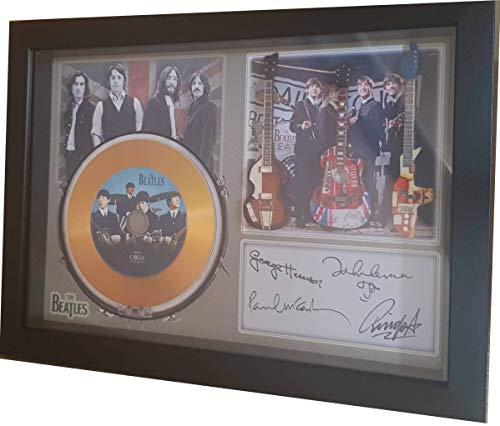 SGH SERVICES NEW! The Beatles and 3 Miniatur-Gitarren und Mini Gold LP in Shadow Box signierter Druck Größe A4 Rahmen mit Autogramm Miniatur-Gitarre und Mini-Vinyl-Schallplatte, gerahmt
