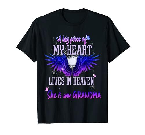 Un gran pedazo de mi corazón vive en el cielo ella es mi abuela Camiseta