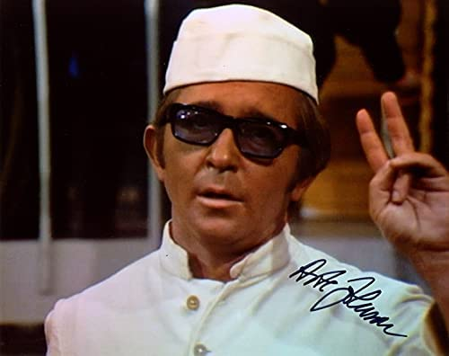 ARTE JOHNSON Indefinitely SIGNED Los Angeles Mall AUTOGRAPHED 8x10 IN LEG LAUGH COMEDIAN PHOTO