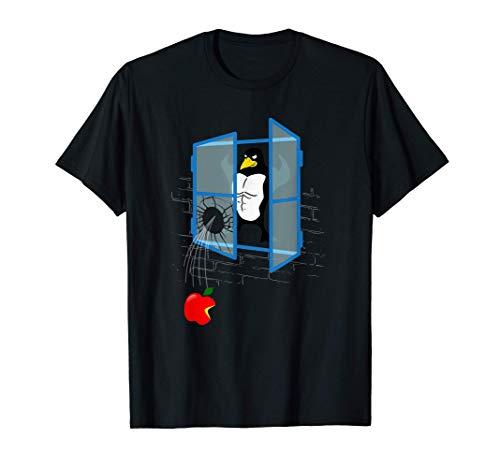 El pingüino de Linux lanza una manzana por la ventana Camiseta