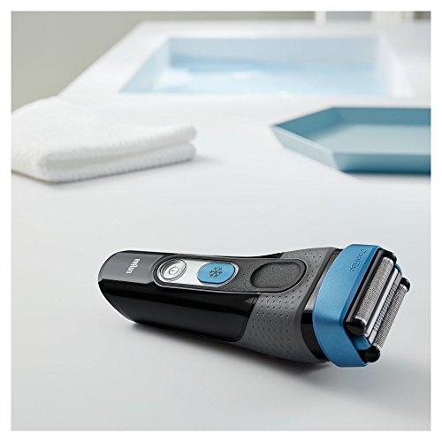 Braun CoolTec CT2s - Afeitadora eléctrica con tecnología Wet & Dry y sistema de enfriamiento activo de la piel y base cargadora, color negro y azul