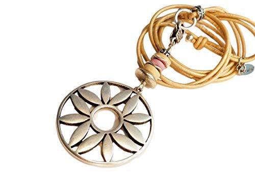 chrissona® lange Lederbandkette in beige mit versilberter Blume, pastellfarbene Kokosscheiben, Blumenkette, Blumenkette, Geschenk, Frau, Schiebeknotenverschluss