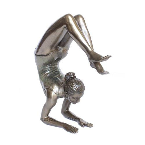Body Talk Skulptur Yoga - Yoga Vrischikasana