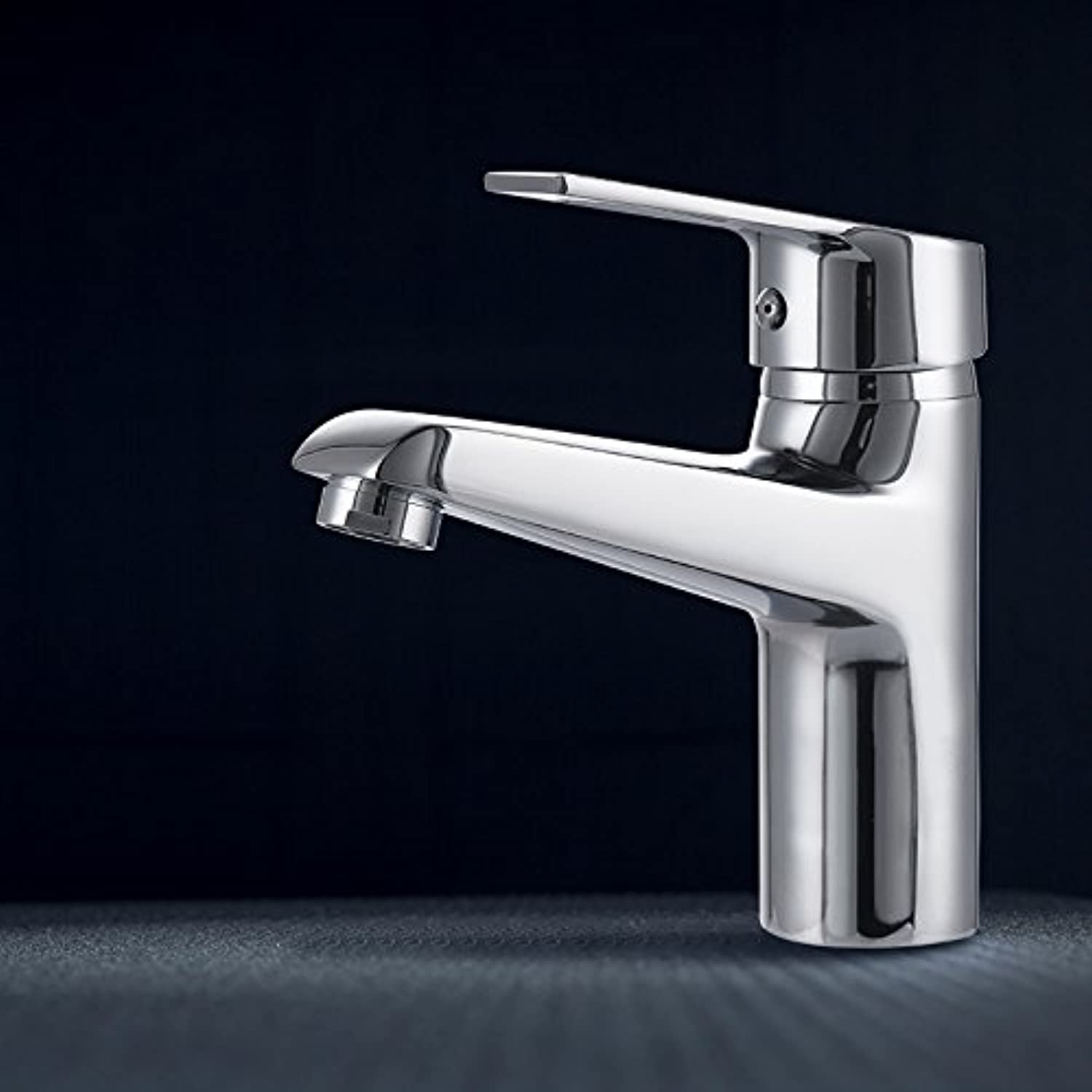 Hlluya Professional Sink Mixer Tap Kitchen Faucet The bronze basin mixer single lever single hole Washbasin Faucet with hot cold running water.