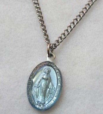Miraculous Medal Colgante de cadena azul de Nuestra Señora en 45,7 cm con medalla y cadena de Nuestra Señora.