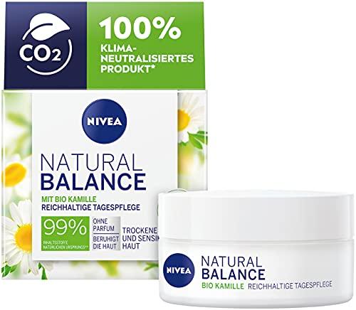 NIVEA Natural Balance Reichhaltige Tagespflege (50 ml), Feuchtigkeitscreme mit Bio Kamille, Jojoba- und Mandelöl, Tagescreme für trockene und sensible Haut