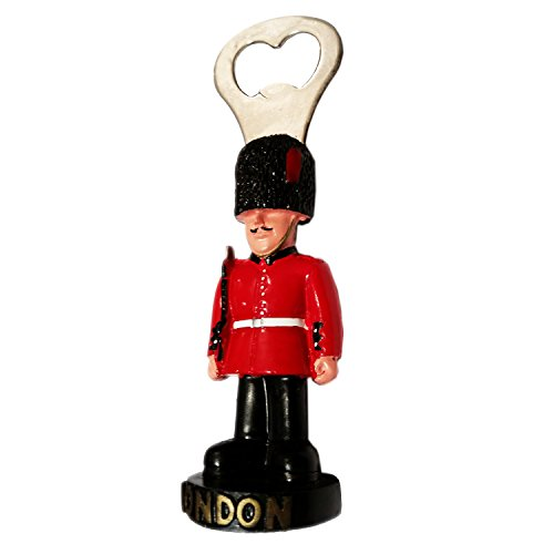 3D Moulded Queens Guard Royal Guard Bearskin Hat Bottle Opener Souvenir Quality Red Uniform London Icon - Deécapsuleur / Apribottiglie / Flaschenöffner / Abrebotellas Custom Royal Guard Soldier Collection.