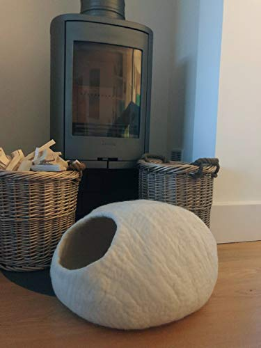 Handcrafted Ecofriendly Large Handmade Thick Warm Cat and Kitten Cave Pet Bed Pod 100% Natural New Zealand Wool (White)