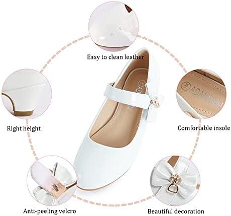 Child wedding shoes _image0