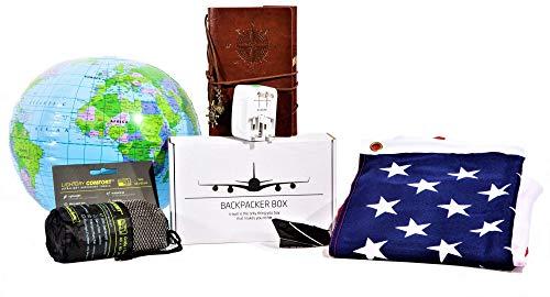 Backpacker Box - Reisetagebuch, Mikrofaser-Handtuch, Steckdosenadapter + Travel-Gadgets in moderner Geschenkbox + 90 x 150cm Flagge von Australien, Neuseeland, USA, Kanada oder Südafrika (USA)